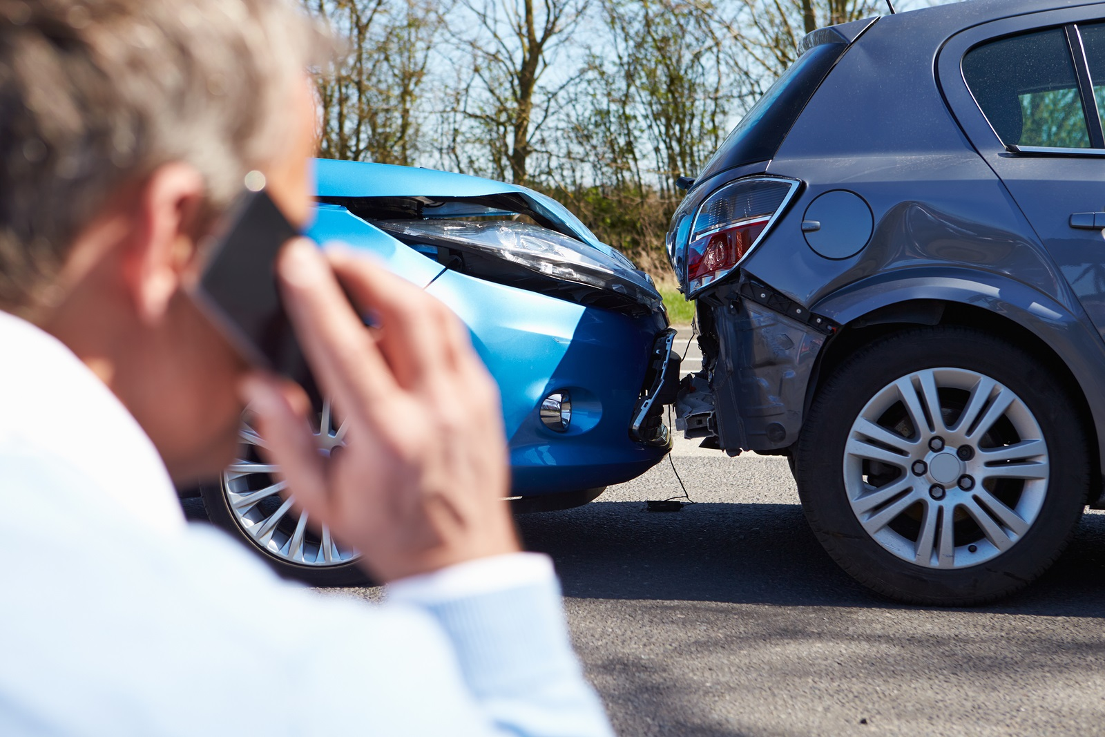 Notify the police during car accident